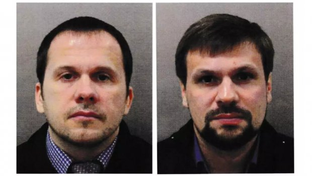Údajní ruští turisté Petrov a Boširov, odhalení později jako agenti ruské vojenské tajné služby GRU. Zdroj: Britská Metropolitan Police