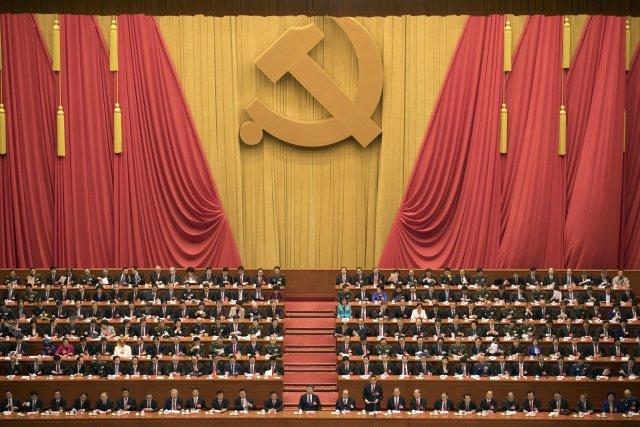 Čínský vůdce Si Ťin-pching označuje Jednotnou frontu, kam patří i zahraniční sympatizanti tamního režimu, za jeden ze tří základních pilířů stranické práce. Foto: ČTK, AP