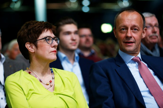 Šéfka CDU Annegret Kramp-Karrenbauerová ajejí vnitrostranický konkurent Friedrich Merz. Foto:Thilo Schmuelgen, Reuters