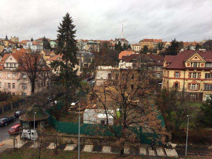 Zdemolovaná vila Na Šafránce. Foto: Magdalena Sodomková, DeníkN