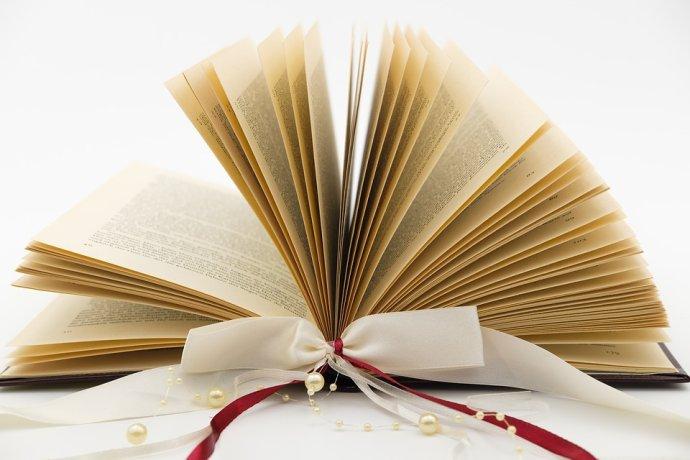 Konec roku dává šanci ke čtenářským ohlédnutím iknižním dárkům. Ilustrační foto:Pixabay