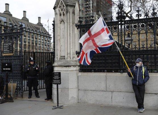 Tíha rozhodnutí leží na britském parlamentu. Dalo se očekávat, že vyjednaná dohoda sEU vněm nemůže projít. Foto:ČTK/AP