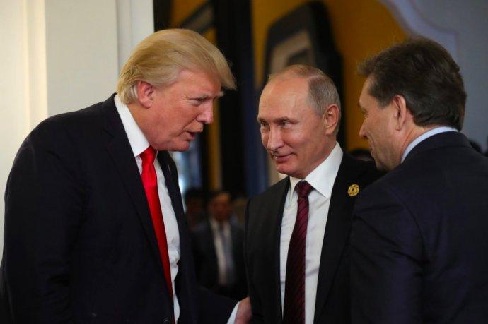 Americký prezident Donald Trump ajeho ruský protějšek Vladimir Putin. Foto: Kremlin.ru