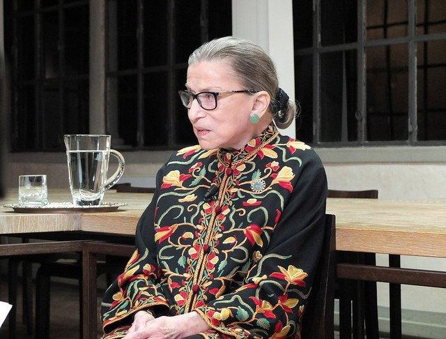 Soudkyně, okteré byl natočený dokument Notorická RBG nominovaný na Oscara, prodělala čtyři rakoviny. Na Nejvyšším soudu USA byla považovaná za liberálně smýšlející soudkyni. Foto:European University Institute