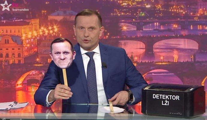 Jaromír Soukup v jednom ze svých pořadů. Zdroj: screenshot TV Barrandov