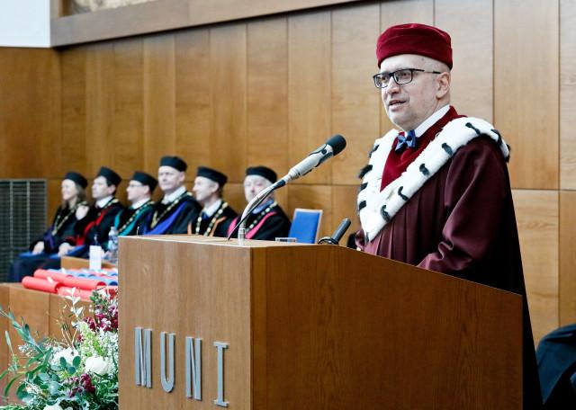 Rektor Masarykovy univerzity Mikuláš Bek by uvítal, kdyby si studenti mohli vybírat zaměření až v průběhu vysokoškolského studia. Foto: ČTK