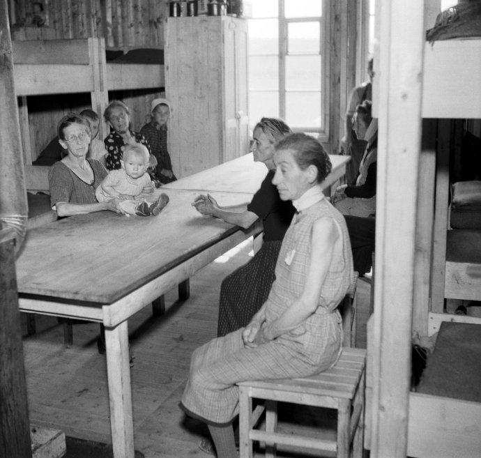 Internační tábor pro české Němce. Kladno, červenec1945. Foto:ČTK
