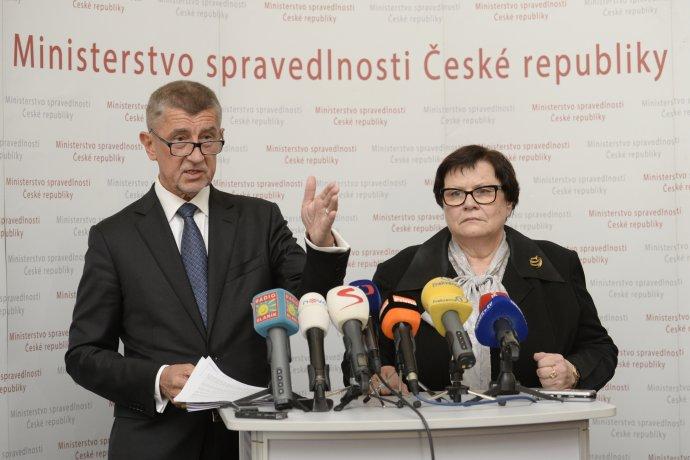 Předseda vlády Andrej Babiš a ministryně spravedlnosti Marie Benešová. Foto: ČTK