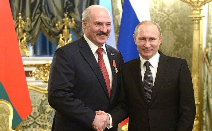 Vztahy prezidentů Lukašenka a Putina jsou jako počasí. Někdy vřelé, v poslední době ale stále více komplikované. Zdroj: kremlin.ru