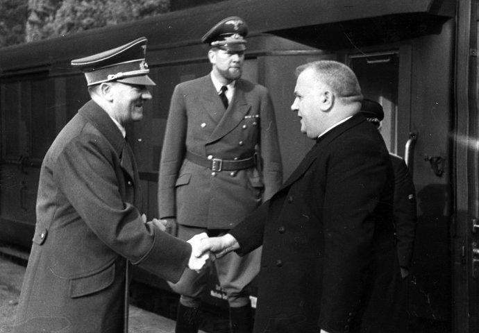 Jozef Tiso při návštěvě Adolfa Hitlera v Berlíně, říjen 1941. Foto: Wikimedia Commons, Public domain