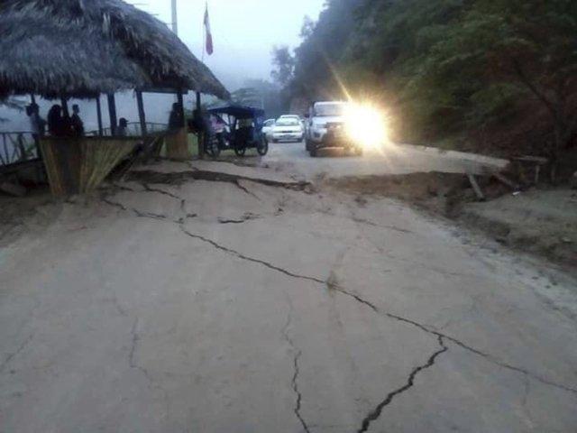 Zemětřesením poškozená silnice v departmentu San Martin na severu Peru. Foto: Hoy Noticias media, AP, ČTK
