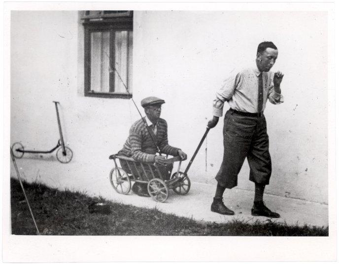 Jak si Čapci hráli. Foto: Literární kronika první republiky
