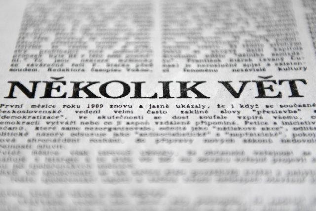 Text petice Několik vět vyšel i v samizdatových Lidových novinách. Foto: ČTK