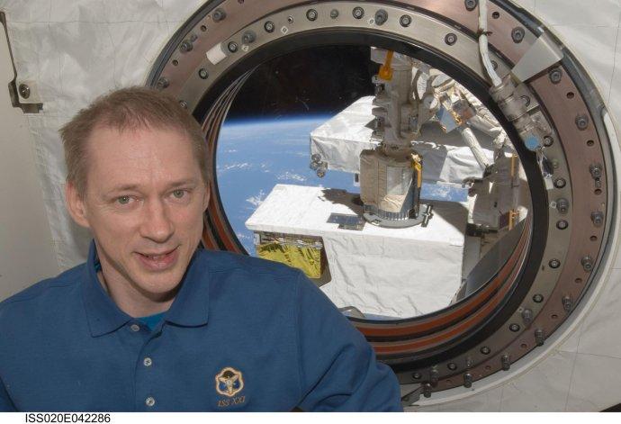 Belgický astronaut Evropské kosmické agentury Frank De Winne vlaboratoři Kibo na Mezinárodní kosmické stanici. Foto: NASA