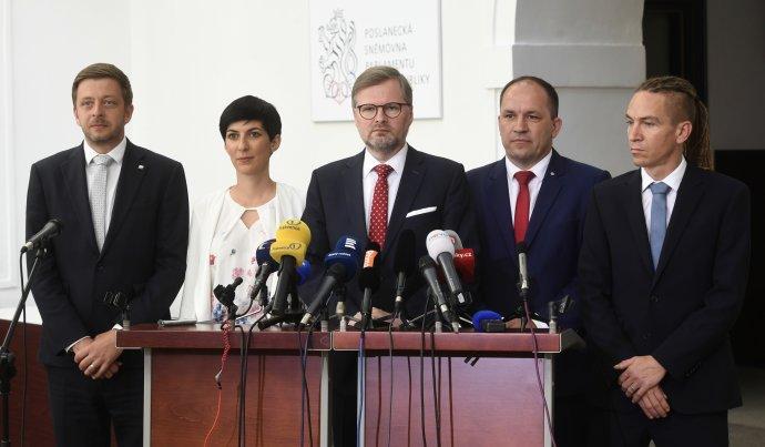 Předsedové opozičních stran Vít Rakušan (STAN), Markéta Pekarová Adamová (TOP09), Petr Fiala (ODS), expředseda KDU-ČSL Marek Výborný aIvan Bartoš (Piráti). Foto:ČTK