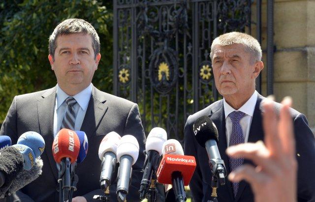 Vicepremiér Jan Hamáček (ČSSD) apředseda vlády Andrej Babiš (ANO). Foto:Michaela Říhová, ČTK