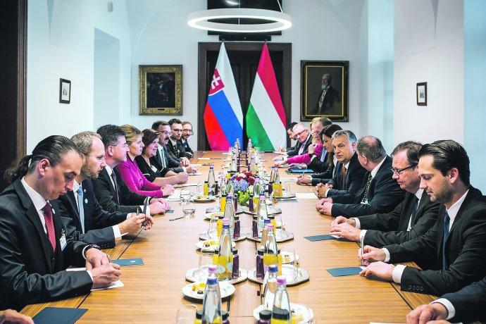 Slovenská prezidentka Čaputová na jednání s premiérem Orbánem při první návštěvě Maďarska 11. 7. 2019. Foto: Tiskové oddělení předsedy maďarské vlády