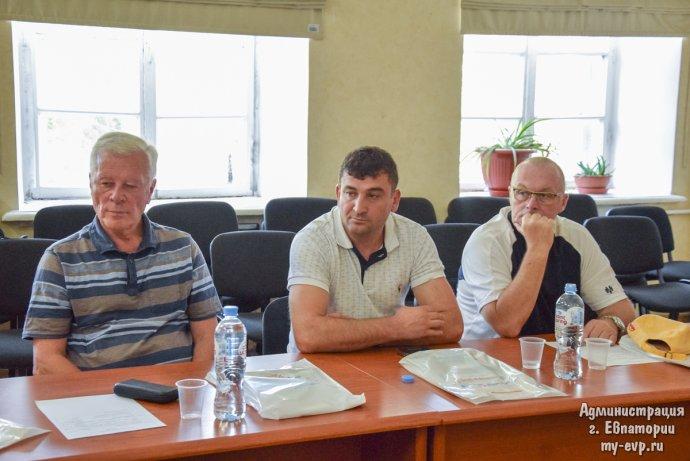 Zleva: Josef Skála, Mychajlo Ťasko, Jiří Kalach. Foto: Městský úřad Jevpatorija na Krymu