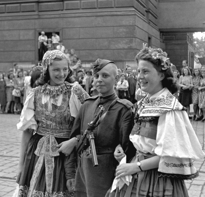 Osvoboditel? Okupant? Jak pro koho. Se svojí historií se český národ dodnes poctivě nevypořádal. Foto: ČTK