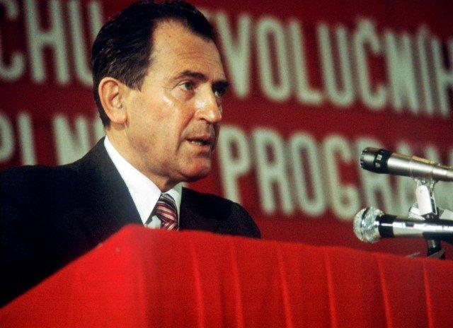 Člen předsednictva a tajemník ÚV KSČ Vasil Biľak při projevu v roce 1984.