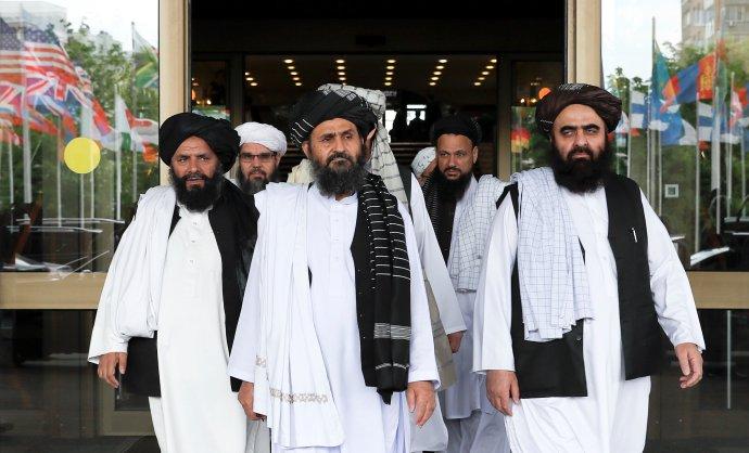 Vyjednavači afghánského radikálního hnutí Tálibán. Foto:Jevgenija Novoženinová, Reuters