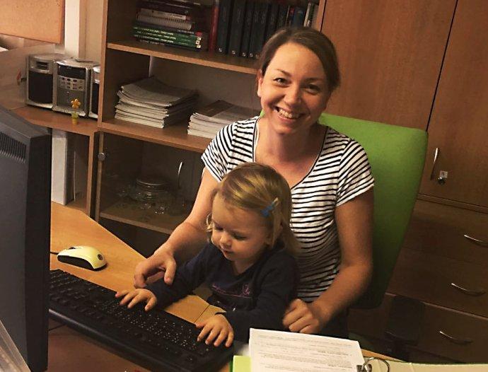 Během mateřské a rodičovské nepřestala Jana Pátíková pracovat nikdy, zároveň se ale vždy snažila naplno věnovat dětem. Foto: Archiv Jany Pátíkové