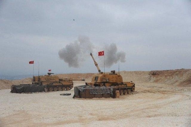 "Dělostřelectvo turecké armády vprovincii Sanliurfa zahajuje operaci ""Peace spring"", invazi na sever Sýrie. Foto:Turecké ministerstvo obrany / Anadolu / ČTK"