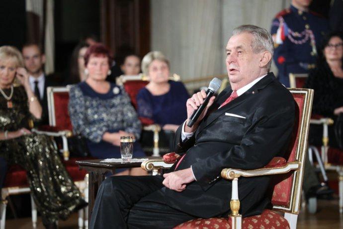 Prezident Miloš Zeman během udílení vyznamenání 28. října 2019. Foto: Ludvík Hradilek, Deník N
