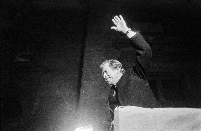 Havel nebyl typický politik. Bil do očí svým idealismem, pravdomluvností, odvahou postavit se zmatenému veřejnému mínění. Foto: Jaroslav Krejčí