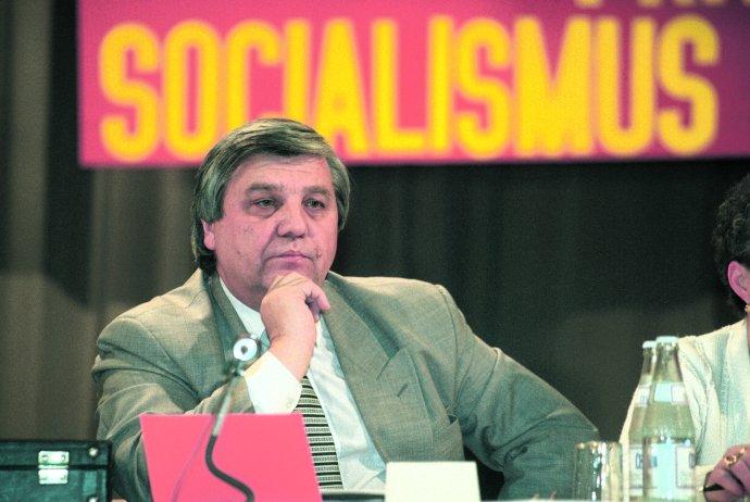Předseda Strany československých komunistů Miroslav Štěpán na snímku z roku 1997. Foto: ČTK