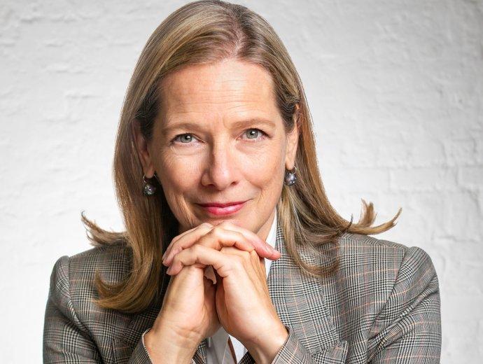 Dana Thomasová je přední módní redaktorka. Začínala v roce 1988 ve Washington Post, pokračovala ve Wall Street Journal a Newsweek. Foto: Nick Gregan