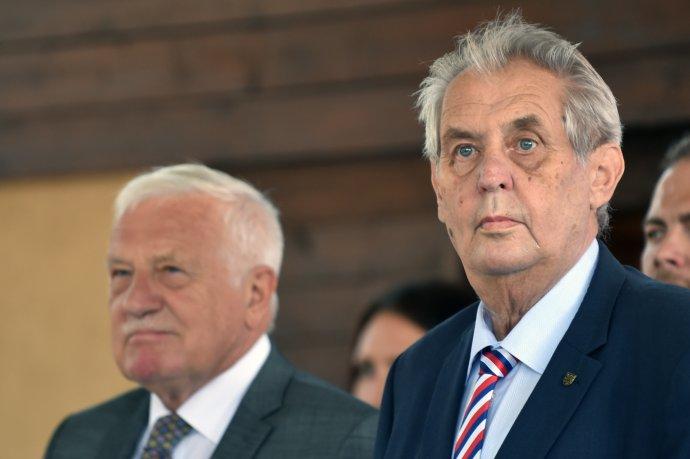 Václav Klaus a Miloš Zeman mají kromě Vysoké školy ekonomické a Prognostického ústavu Akademie věd společné i silné vazby na své matky. Foto: ČTK