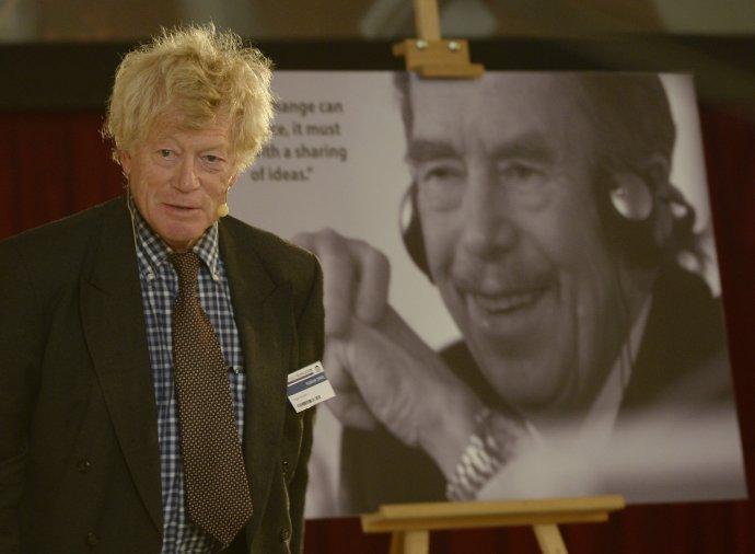Filosof a politolog Roger Scruton pravidelně vystupoval na pražské konferenci Forum 2000, u jejíhož zrodu stál Václav Havel. Foto: ČTK