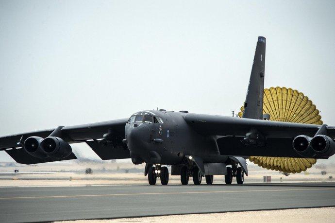 Bombardéry B-52 použili Američané nedávno například při bojových akcích v Sýrii. Foto: US Air Force a Wikimedia Commons