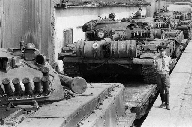 Už jedou! Odsun sovětské okupační armády zČeskoslovenska vroce 1991. Foto:ČTK