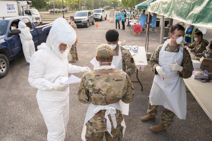 Národní garda ve státě Louisiana pomáhá testovat na nákazu Covid-19. Foto:Louisiana National Guard, Flickr