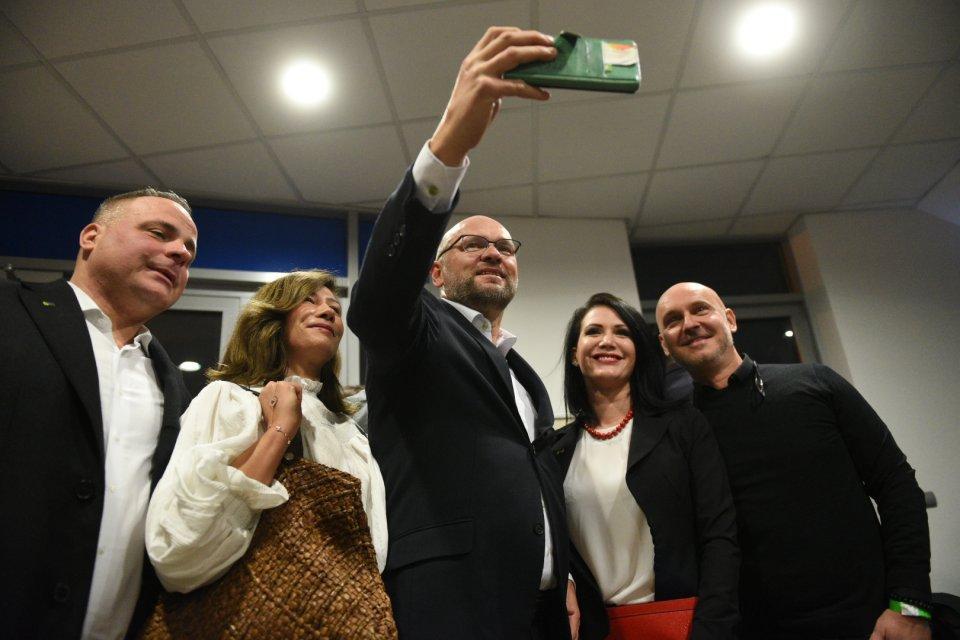 Richard Sulík při příchodu do volebního štábu SaS. Foto:Tomáš Hrivňák, DenníkN