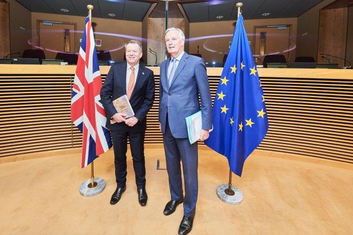 Vyjednavači EU aBritánie Michel Barnier aDavid Frost během prvního dne postbrexitových jednání vBruselu. Foto:Dati Bendo, EU, EC– Audiovisual Service
