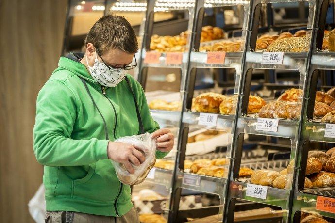České supermarkety budou muset prodávat povinné procento českých potravin. Odborníci zákon, který prošel Sněmovnou, tvrdě kritizují. Foto:Gabriel Kuchta, DeníkN