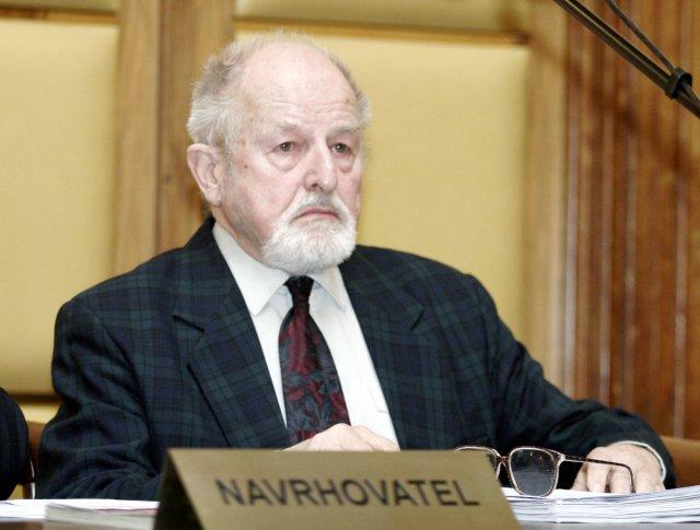 Zdeněk Jičínský na snímku z roku 2008. Foto: ČTK
