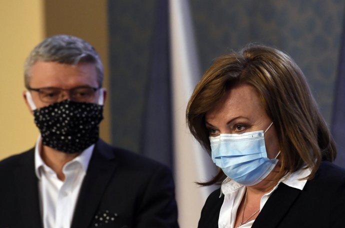 Ministr dopravy aprůmyslu Karel Havlíček aministryně financí Alena Schillerová 1.dubna 2020. Foto:Michal Kamaryt, ČTK