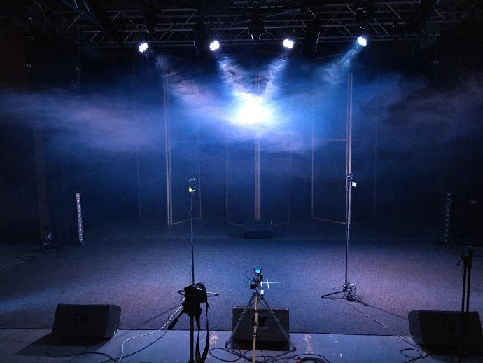 Divadelní studio připravené ke streamování, tak teď vypadá pohled herců do hlediště. Foto:archiv NoD