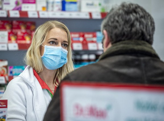 Ať se léky na předpis prodávají ina internetu, navrhuje Vojtěch. Lékárníci iopoziční poslanci jsou proti