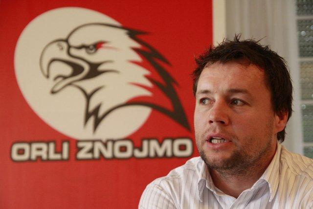 Martin Stloukal na archivním snímku z roku 2011, kdy působil jako asistent trenéra hokejového klubu Znojemští Orli. Foto: ČTK