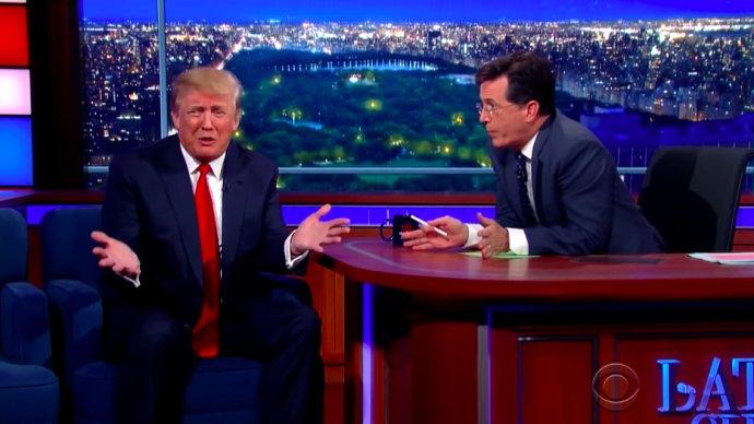 Moderátor Steven Colbert a tehdy ještě prezidentský kandidát Donald Trump. Foto: Youtube