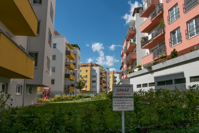 Rostoucí ceny nemovitostí nejsou problémem jen v Česku. FOTO: Karolína Poláčková, Deník N