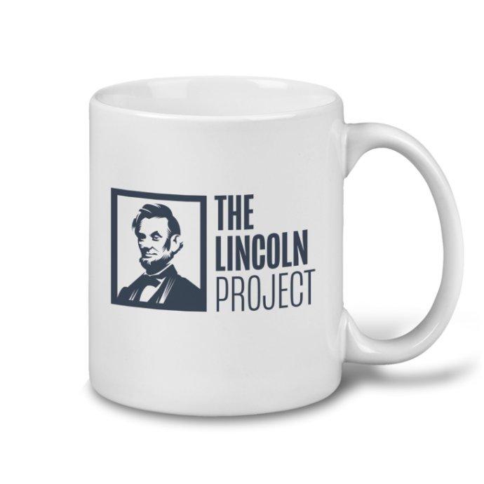Jeden ze zakladatelů organizace Lincoln Project John Weaver byl obviněný třicítkou mladých mužů z toho, že je sexuálně obtěžoval. Nově čelí organizace ještě finančnímu skandálu. Foto: The Lincoln Project