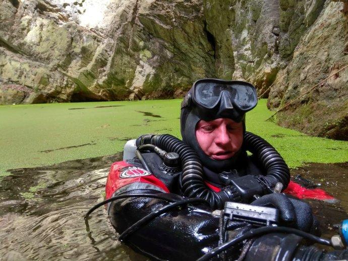 David Čani se potápí vHranické propasti. Foto: Facebook Hranická propast– ZO ČSS 7–02Hranický kras