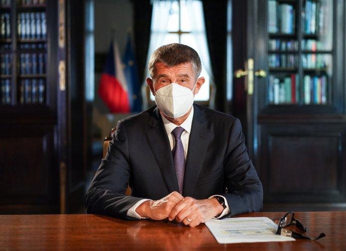Premiér Andrej Babiš při televizním projevu. Foto:Facebook Andreje Babiše
