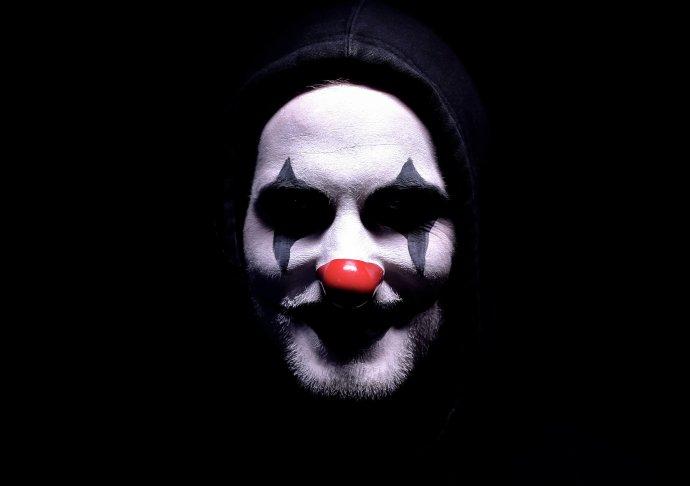 """Vběžném životě nás můžou psychopati uvrhnout do """"indukované psychózy"""", tedy sdíleného bludu. Foto:Adobe Unsplash"""
